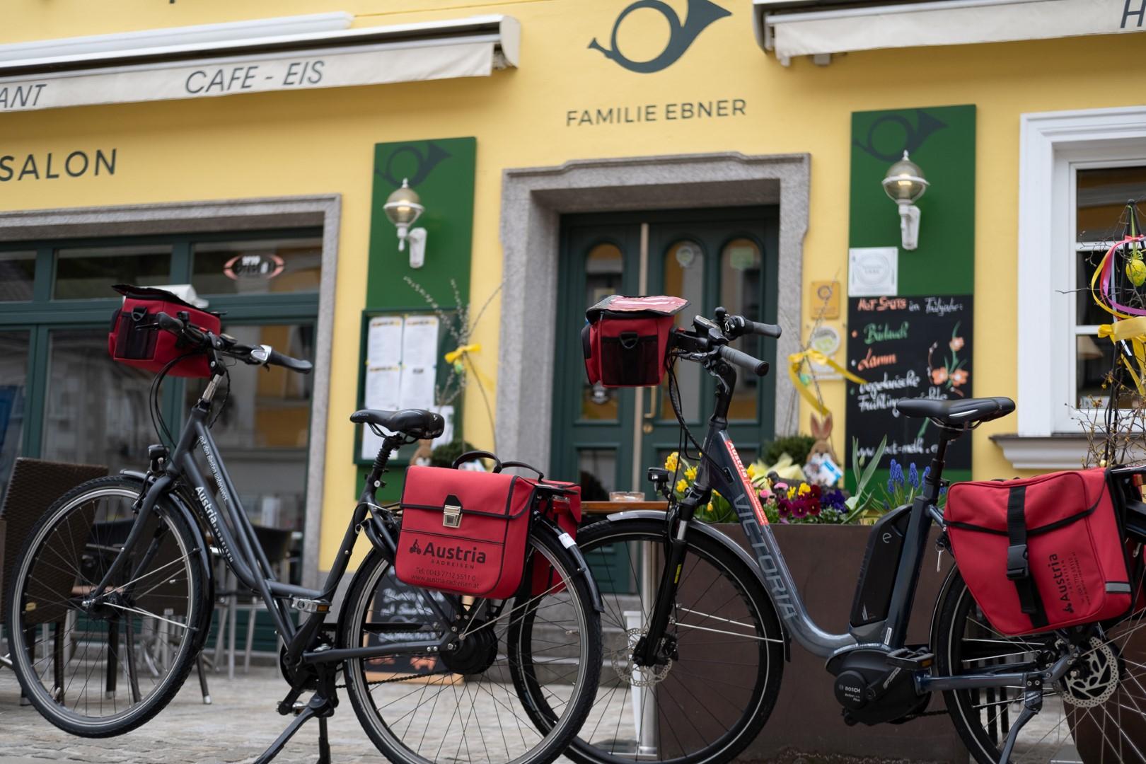 008-touring-bikes1-custom