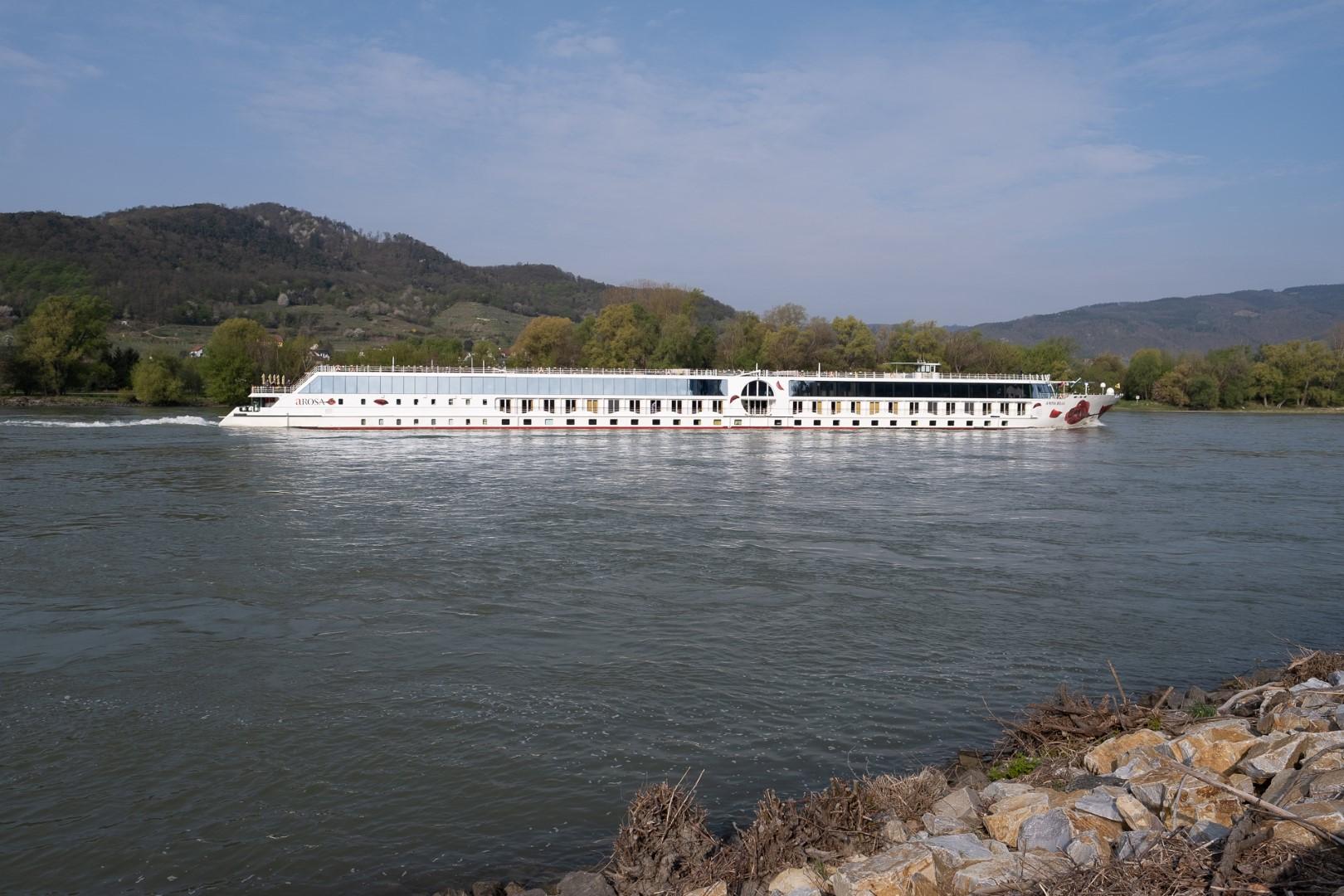 015-river-boat-custom