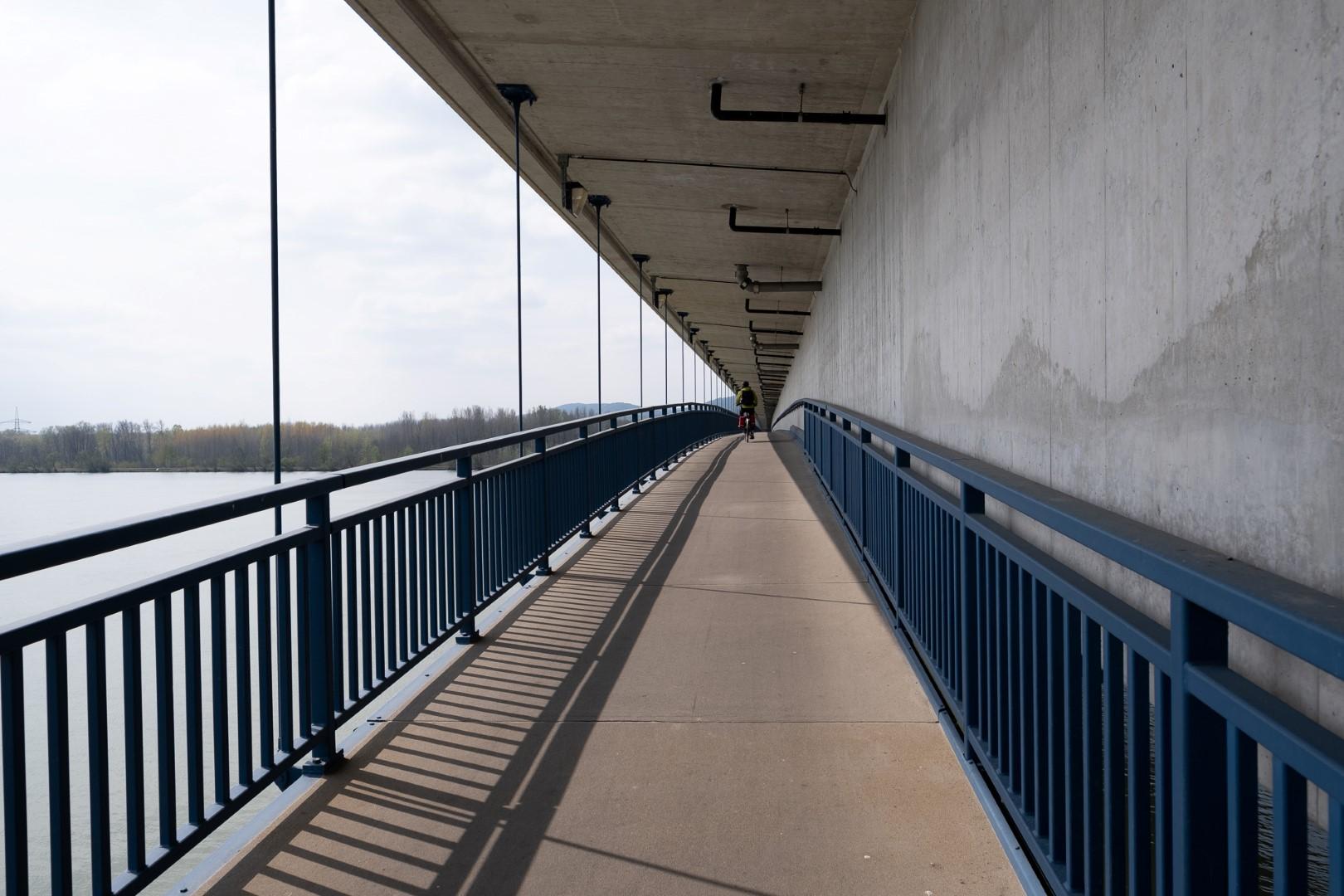 035-bridge2-custom